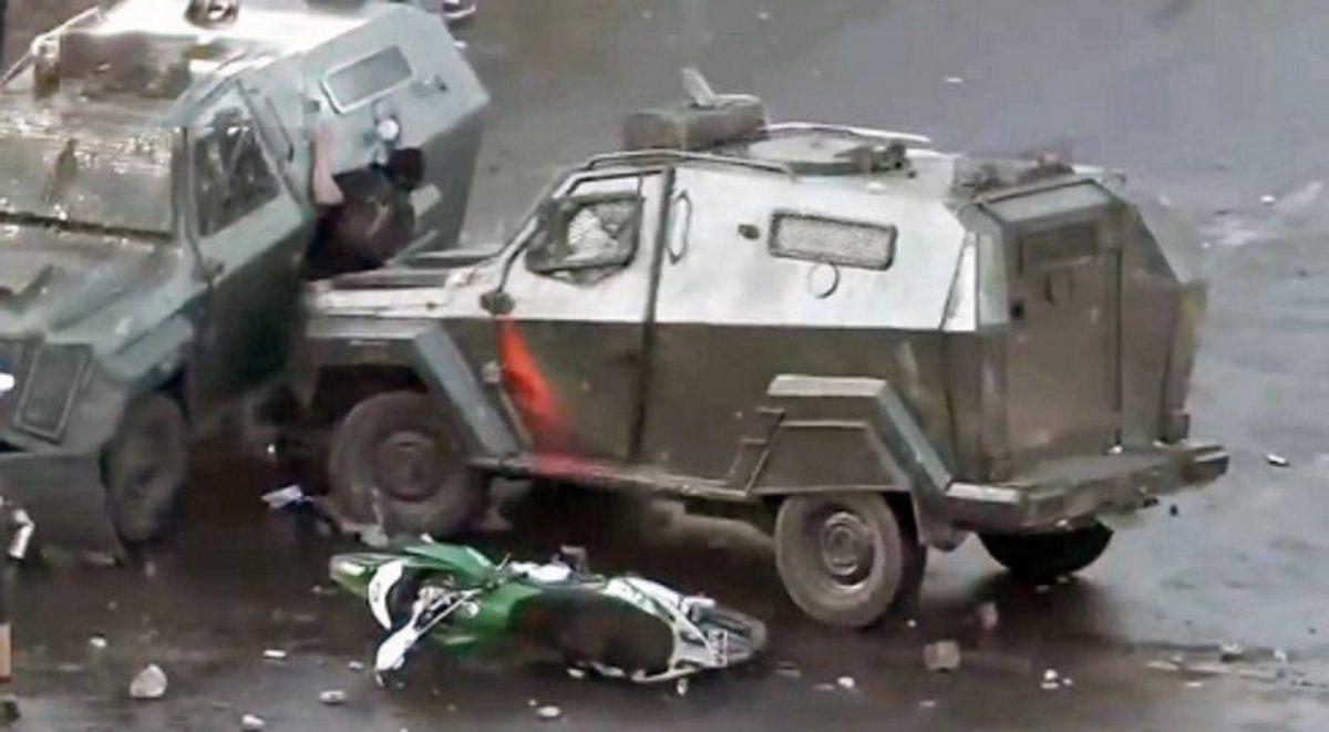 Chile: un tanque de Carabineros aplastó a un joven