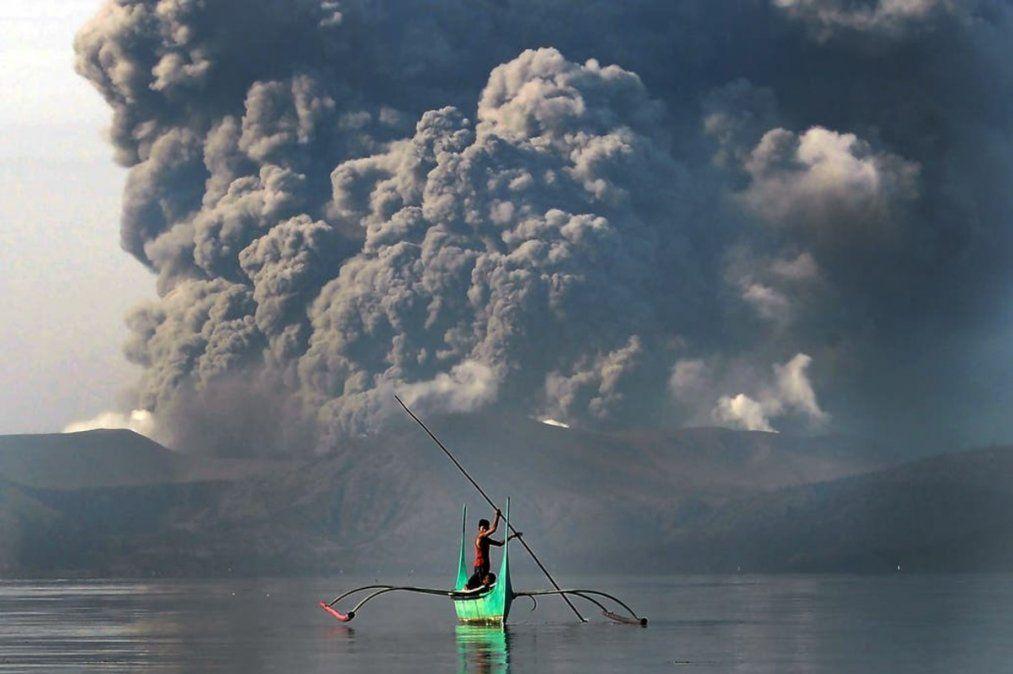 Alerta por el volcán filipino Taal: hay miles de evacuados