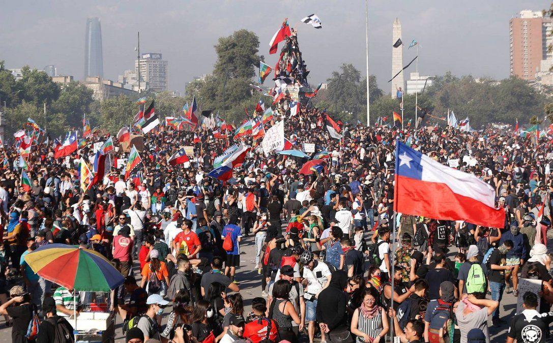 Chile: aprueban ley que endurece penas por movilizaciones