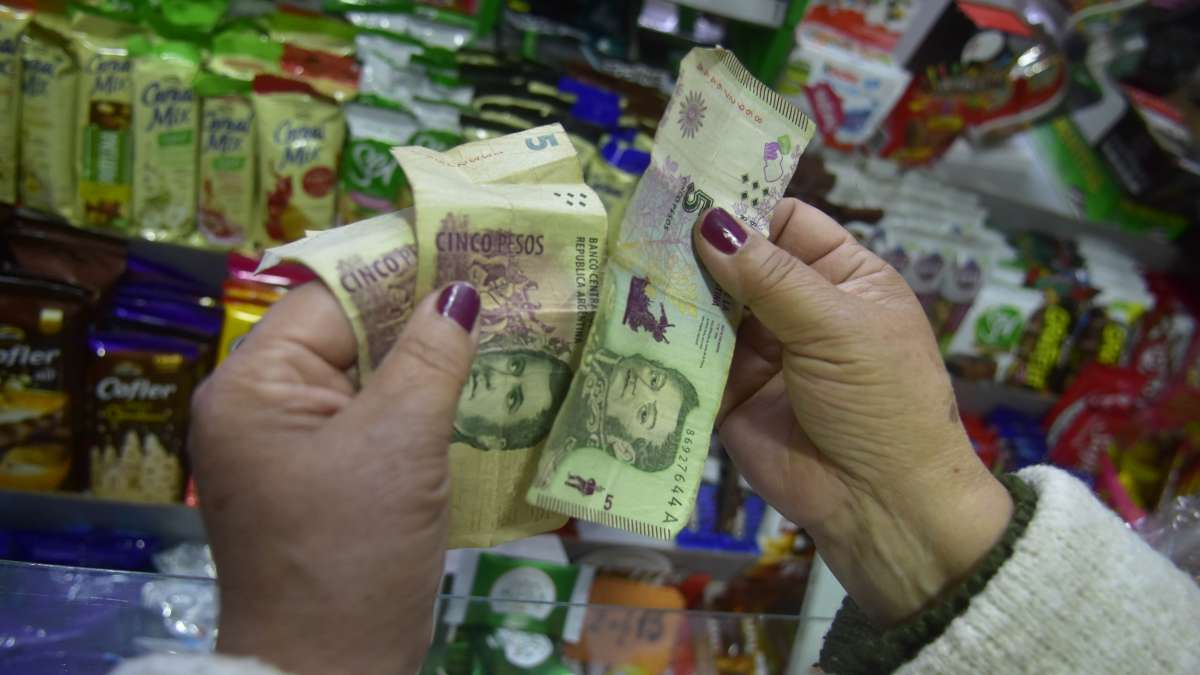 ¿Qué pasa con los billetes de 5 pesos en Tucumán?