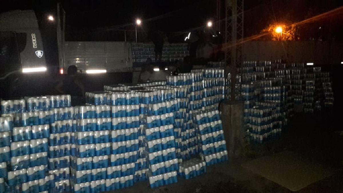 Atrapan a delincuentes que habían robado un camión con 25 mil litros de cerveza