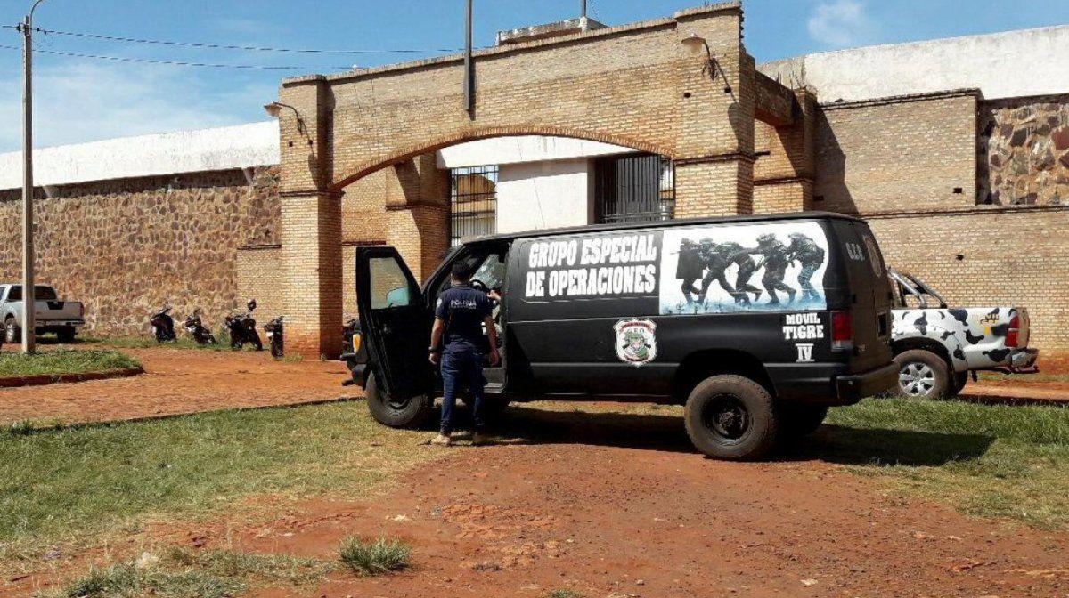 Se fugaron al menos 75 presos de una cárcel de Paraguay