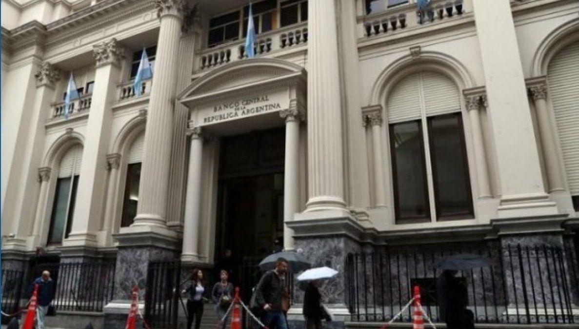Argentina debe trabajar sobre el déficit fiscal
