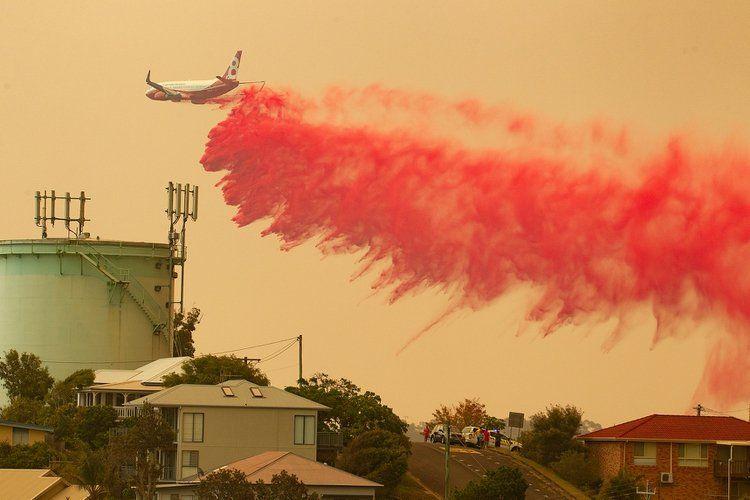 Australia: un avión cisterna se estrelló y murieron tres bomberos