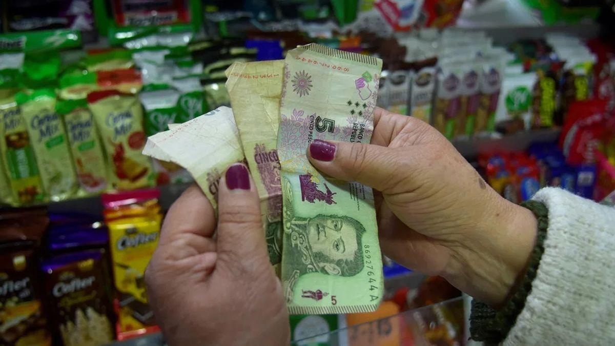 Extienden plazo para el fin de la circulación de los billetes de $5
