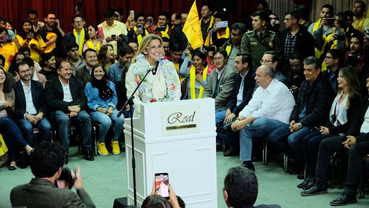 Jeanine Áñez anunció que será candidata a presidenta