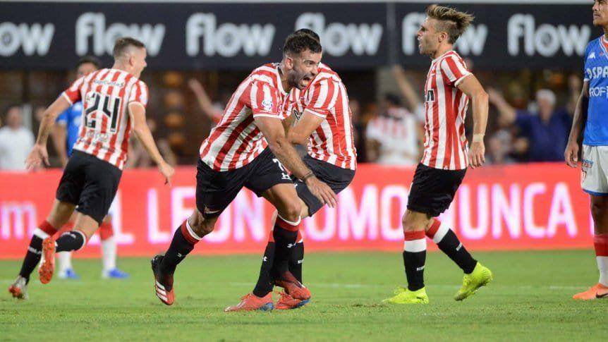 Argentinos empató con Racing y no pudo alcanzar a River en la cima de la Superliga