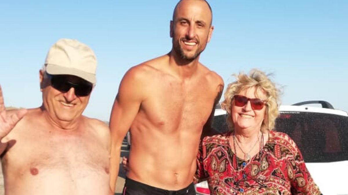 La divertida anécdota de Ginóbili con una abuela en la playa que se volvió viral.