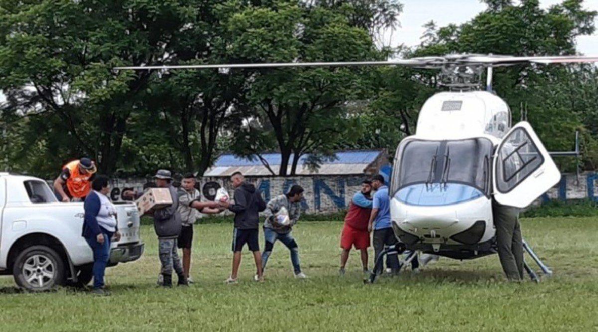 Vía aérea se llevó asistencia a los lugares más anegados.