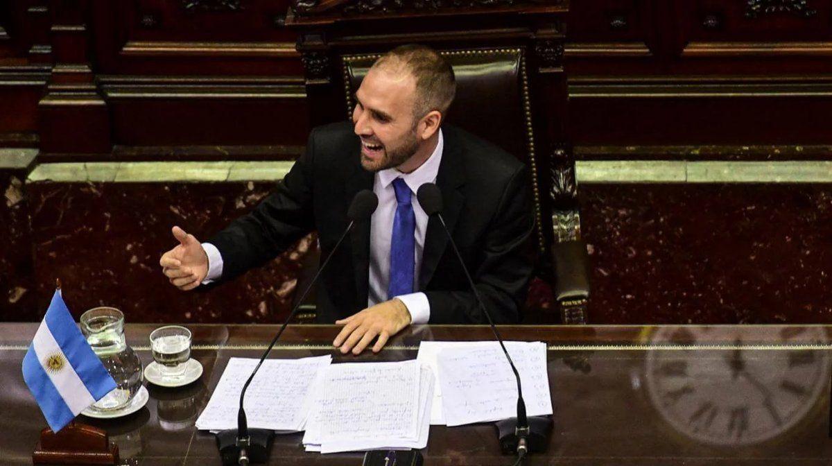 Guzmán en Diputados: Es necesario sacarse de encima esa carga de deuda que no se puede pagar