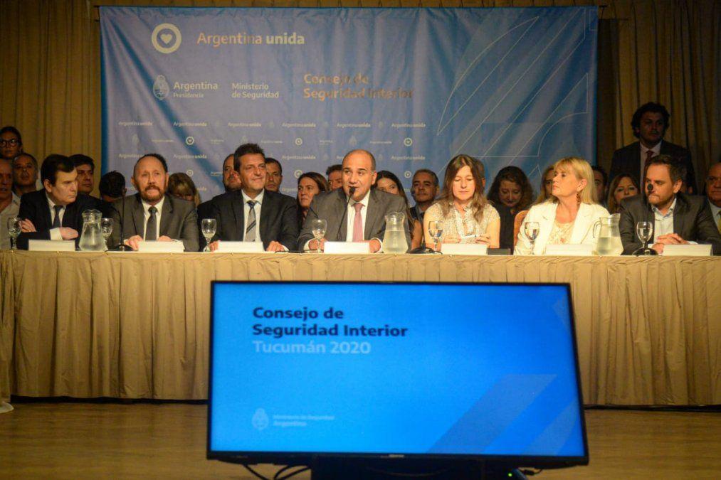 Manzur encabezó la apertura del Consejo de Seguridad Interior en Tucumán.