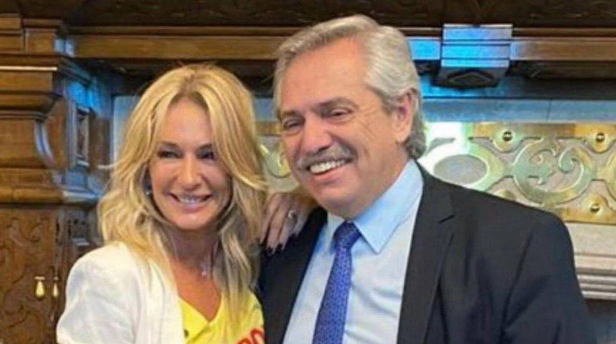 La panelista recordó el momento en que conoció a Fernández.