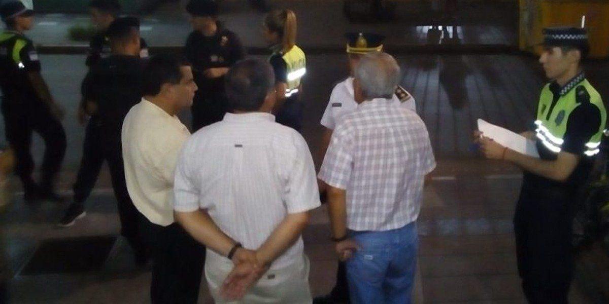 La Policía llegó hasta el lugar tras la denuncia. Foto: Los Primeros