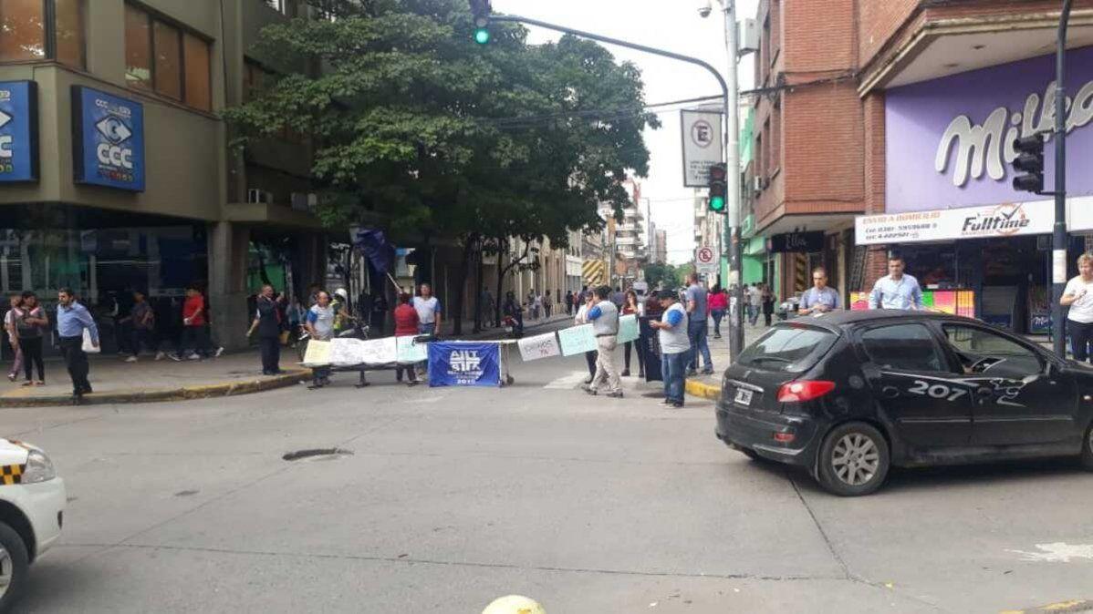 ATSA realizó un quite de colaboración y cortes de calles