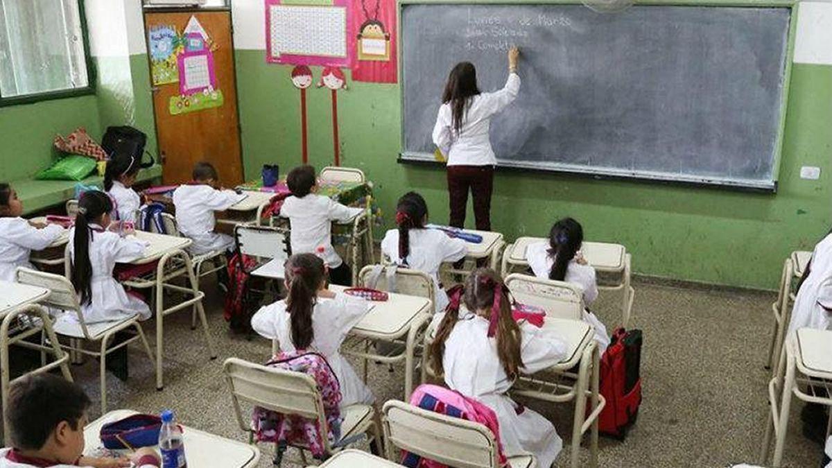 ¿Habrá actividad en las aulas tucumanas el próximo lunes?.