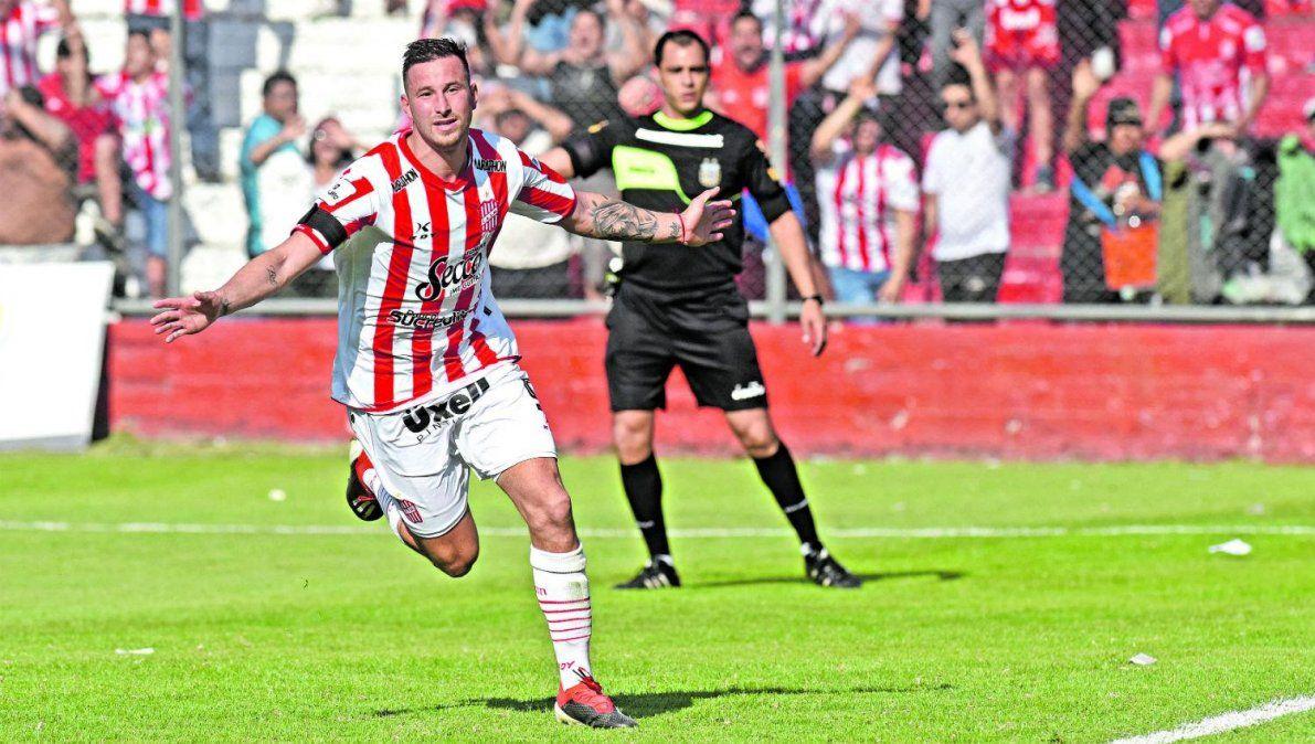 Luciano Pons es el goleador de san Martín.