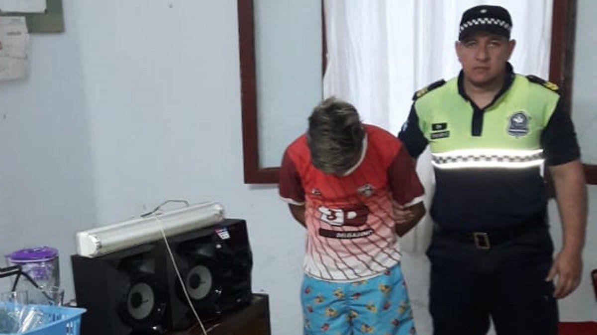 Aprehendieron a un joven cuando intentaba robar en una escuela