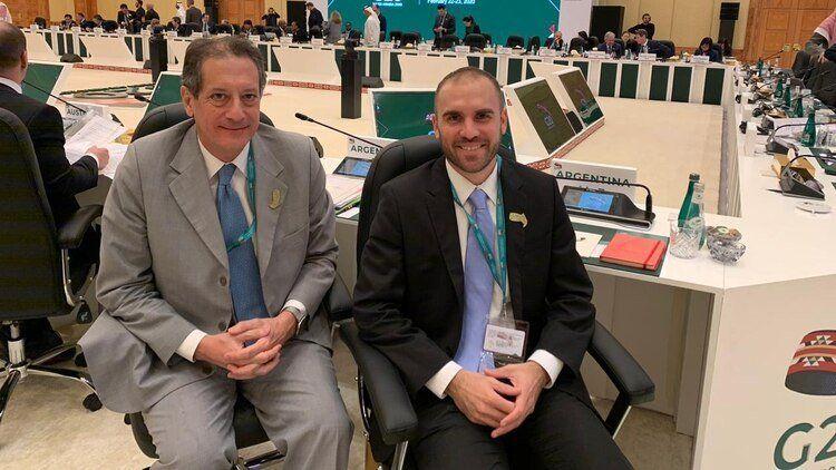 Guzmán vuelve al país con avances en la relación con el FMI