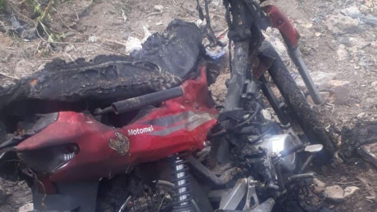 Hallaron la moto de la víctima quemada en callesManuel Estrada y Díaz