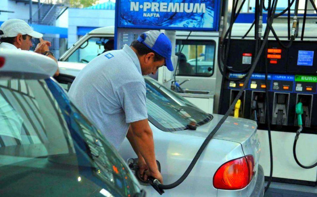 La venta de nafta cayó entre 70% y 85%