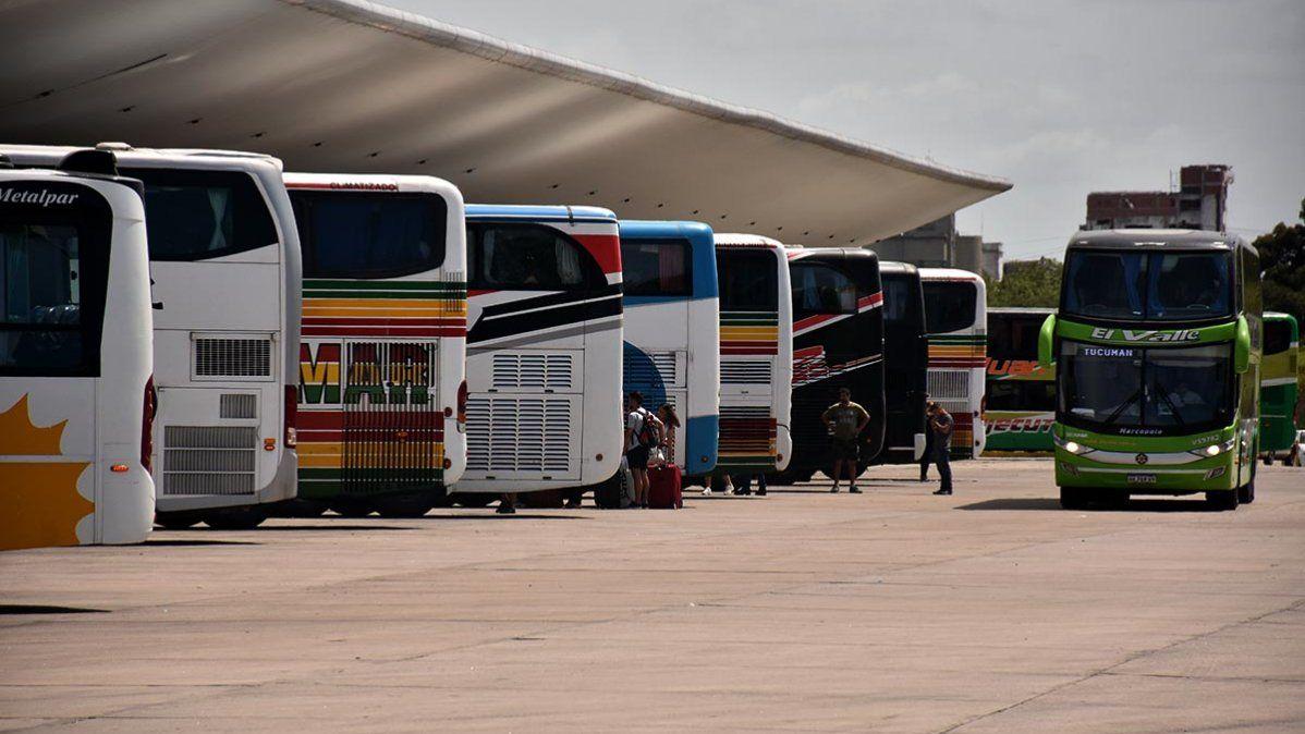 Transporte: aumentaron suspensión a viajes de larga distancia