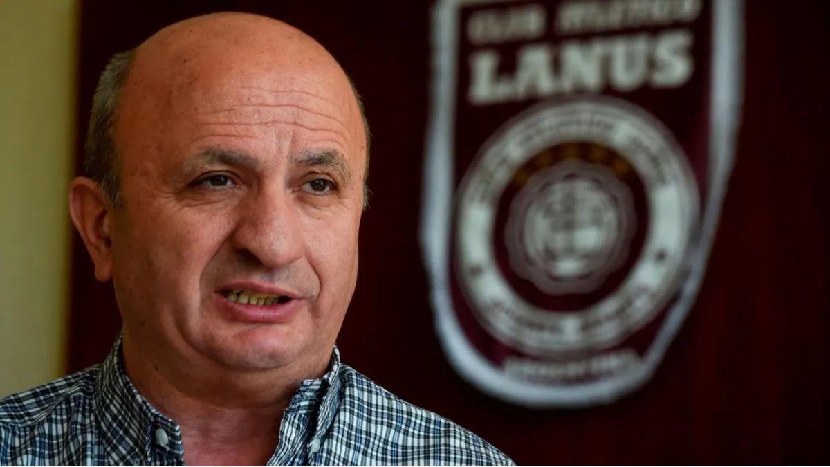 Nicolás Russo es presidente de Lanús y mano derecha de Claudio Tapia.