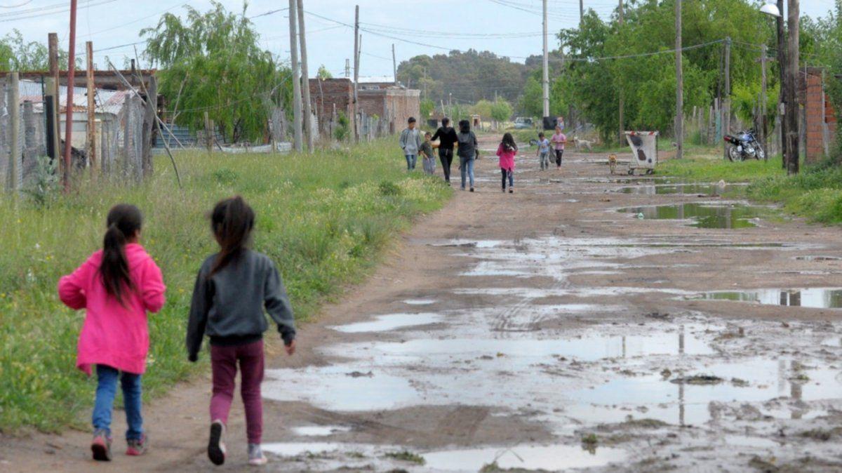 A fin de año habrá más niños y adolescentes pobres por la pandemia