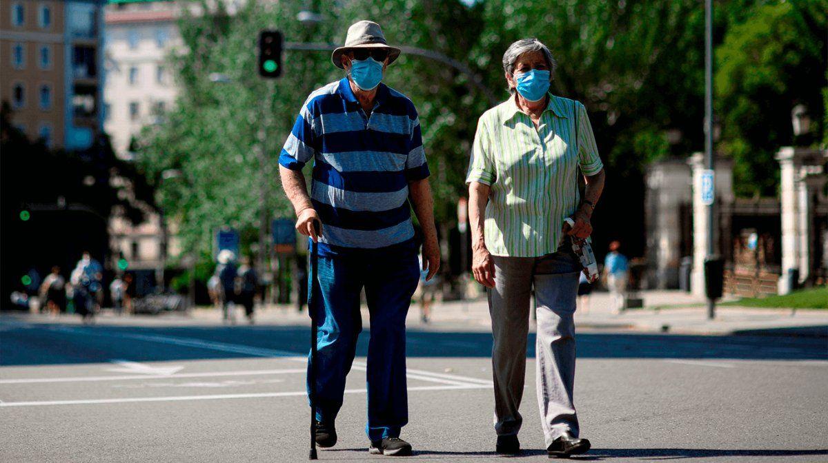 Coronavirus: la OMS confirmó que no se transmite a través del aire