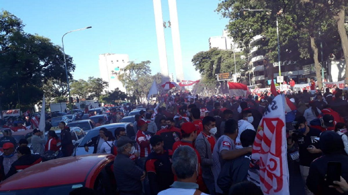 AFA podría sancionar a San Martín por el banderazo