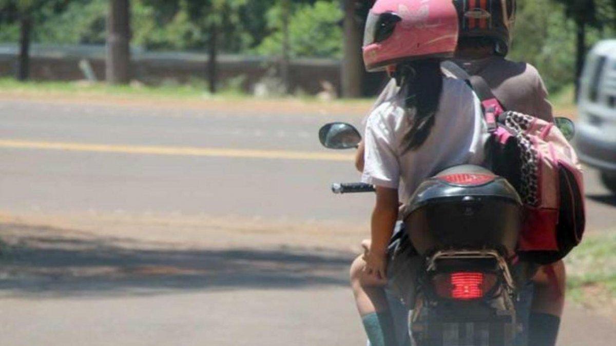 Provincia implementará un permiso para circular de a dos en moto