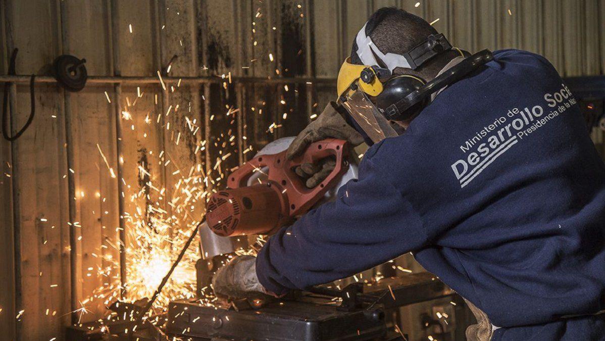 Pymes industriales sufrieron una caída del 53,1% en abril