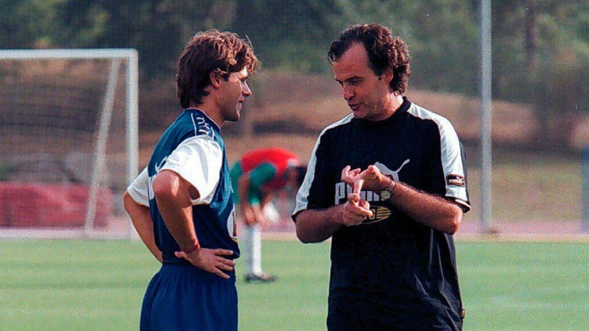 Pochettino y Bielsa coincidieron en varios equipos.