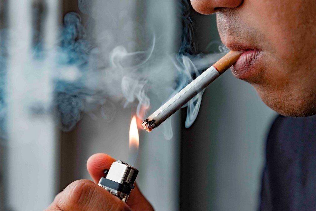 Los fumadores tiene más chances de infectarse de coronavirus