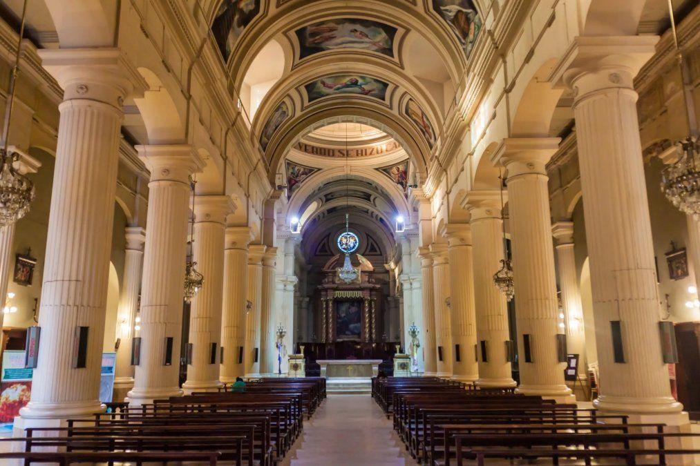 Permiten la apertura de los templos en Tucumán para el rezo
