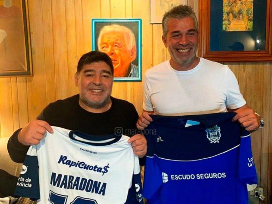 Maradona y Pellegrino llegaron a un acuerdo para la contunidad del proyecto.