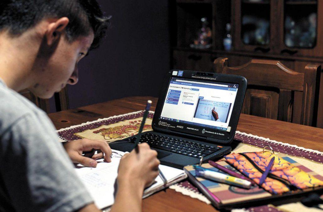 La escuela y el desafio de reinventar estrategias para continuar con el aprendizaje
