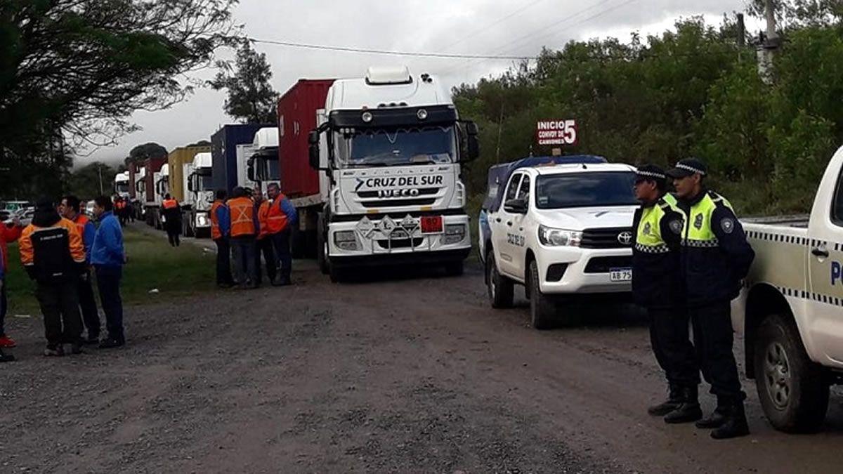 Endurecen los controles a camiones de carga internacional
