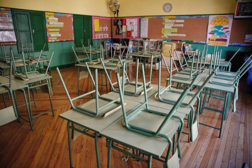 Evalúan la vuelta a clases en escuelas del interior del país
