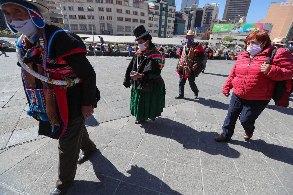 Bolivia amplió la cuarentena un mes más