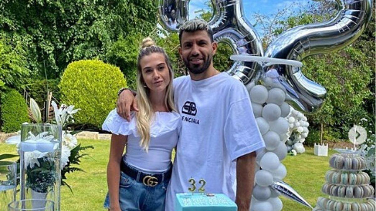 El Kun Agüero y su novia, Sofía Calzetti, agrandan la familia