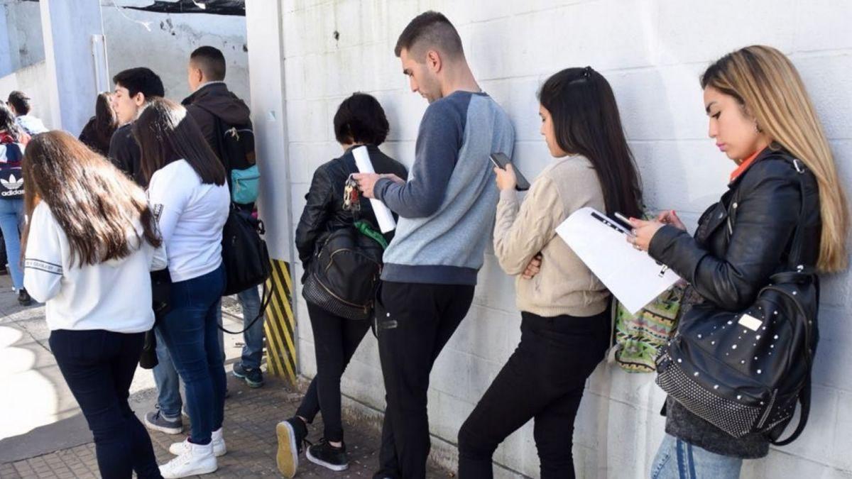 Estiman la pérdida de 860.000 empleos en la Argentina