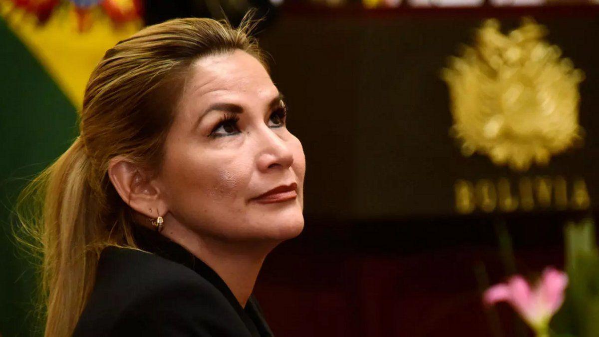 Bolivia: la presidenta Jeanine Áñez dio positivo de coronavirus