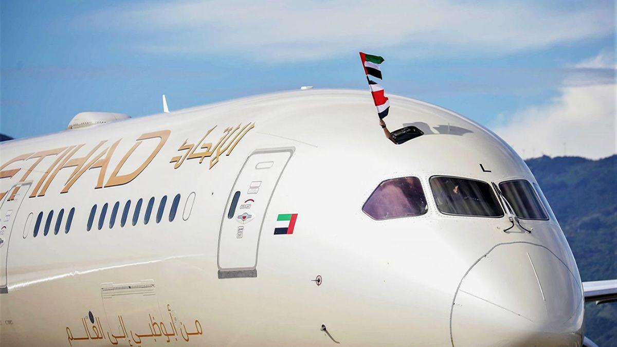 Emiratos Árabes envió un avión con equipos médicos a Uruguay
