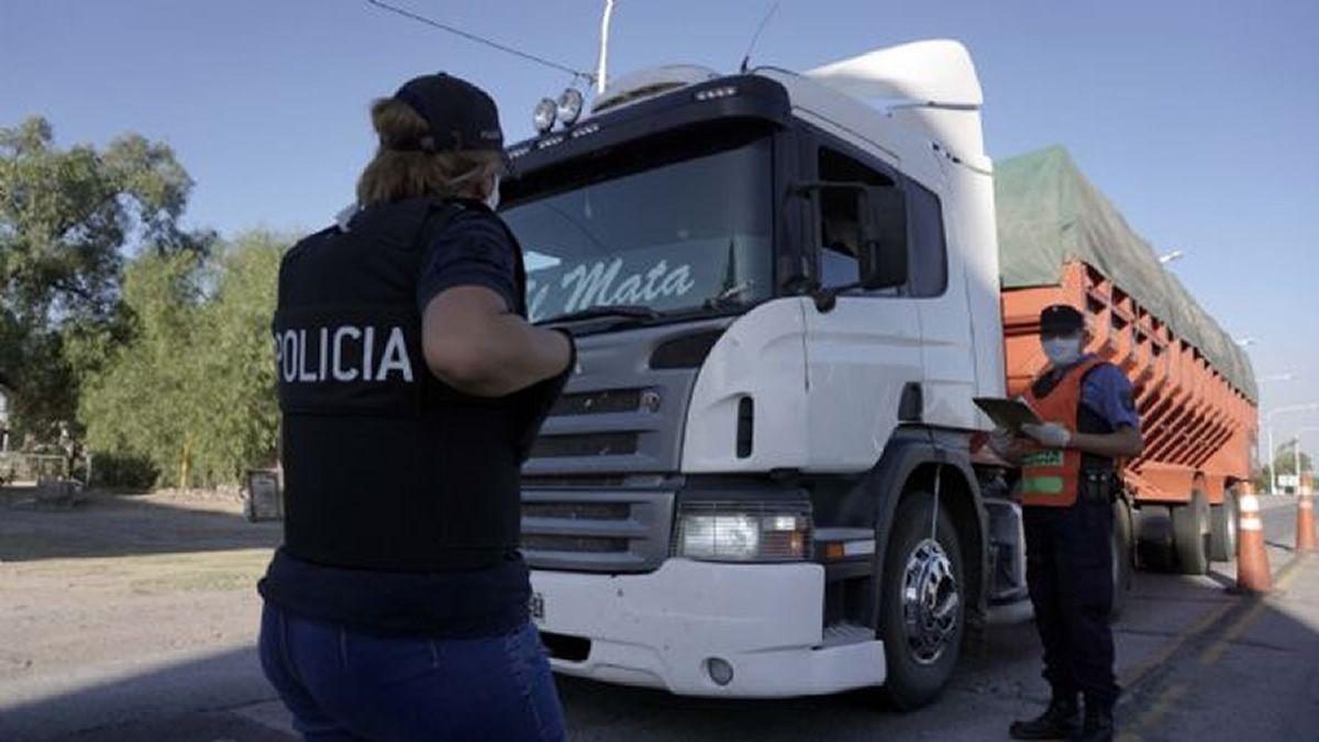 Coronavirus: un camionero tucumano dio positivo en San Juan
