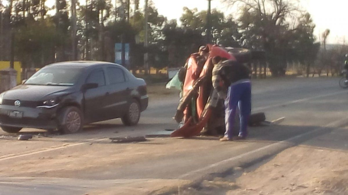 Chocaron tres autos en Famaillá: hubo heridos leves