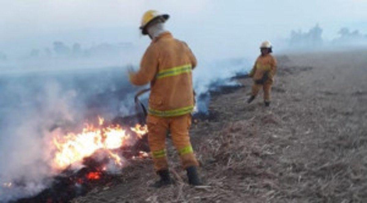 Defensa Civil controla los focos de incendio en la provincia