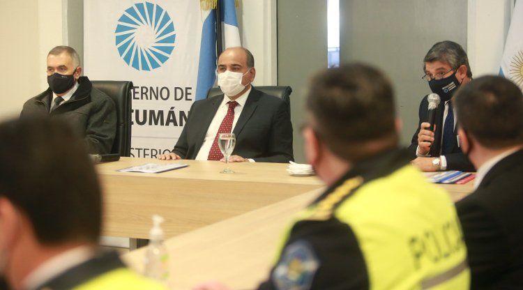 Manzur firmaría el ascenso en la Policía a fines de esta semana.