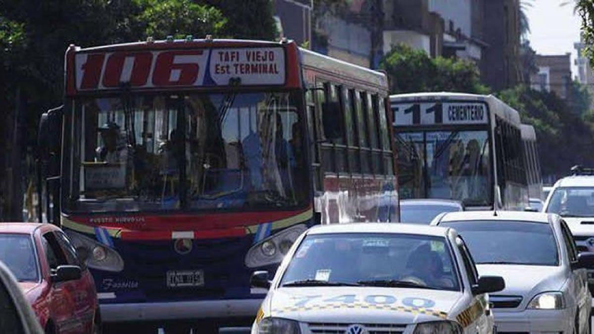 Aumento de tarifas: taxis definido, colectivos por definirse