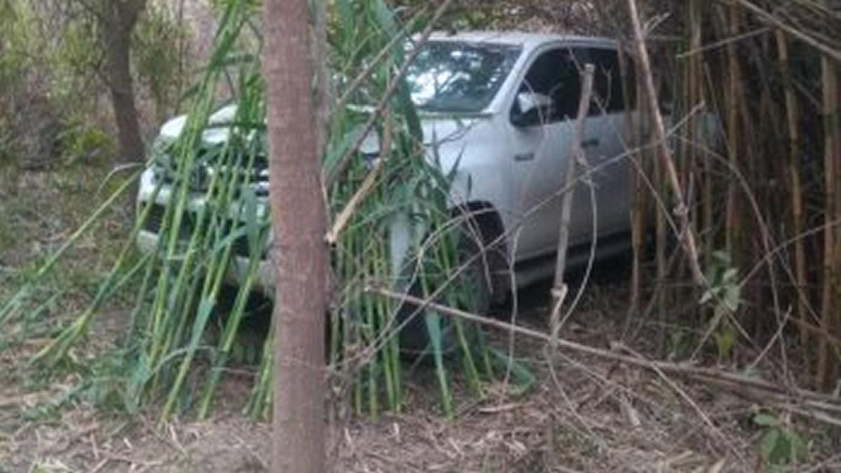 Robaron una camioneta y la ocultaron entre las malezas del Río Salí