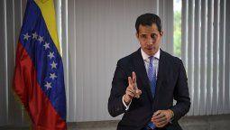 Respuesta. Rápido de reflejos, el autoproclamado presidente de Venezuela, Juan Guaidó, aseguró que no apañaría a ningún corrupto y separó del parlamento a los sospechosos para garantizar la integridad de la investigación.